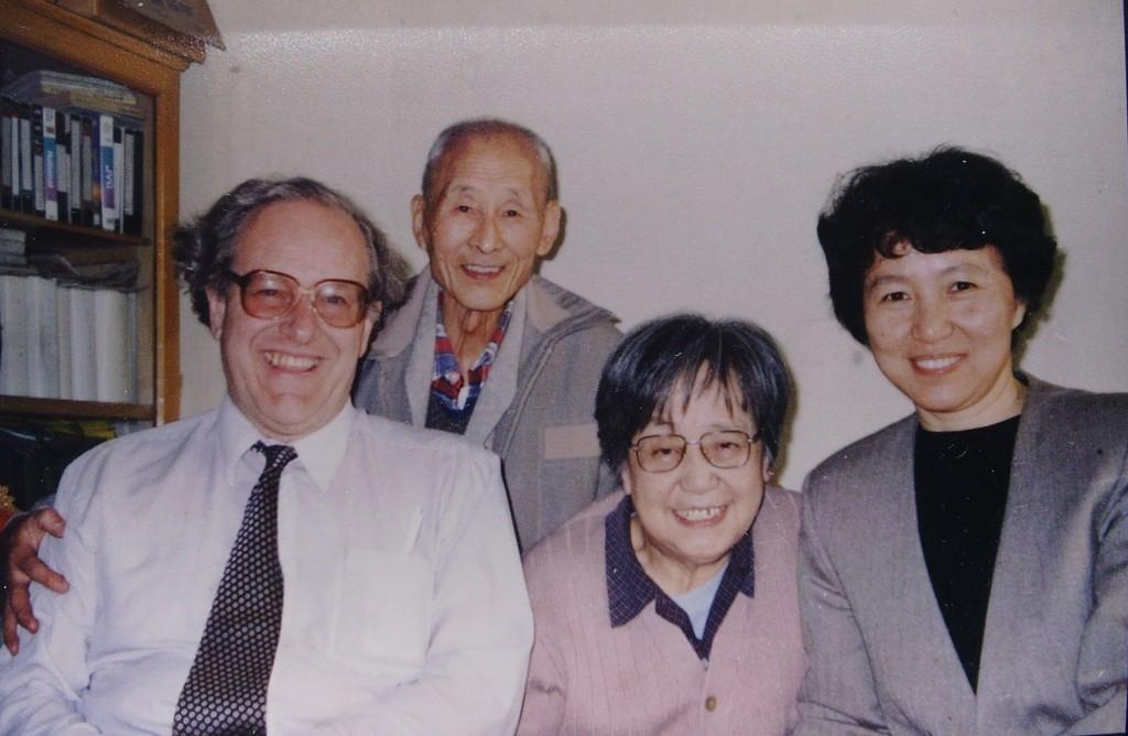 Hu Dongshen and Colin Mackerras, both experts on Pekjing Opera expert